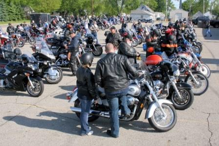 lansing-motorycle-event-uaw-pride-ride
