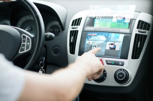 distracted-driving-apple-carplay